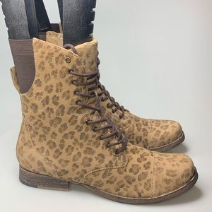 NEW Matisse Crypt Leopard Lace Up Combat Boots 11
